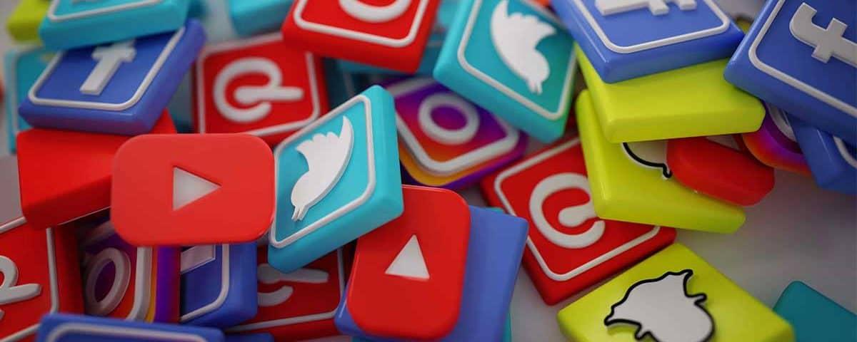 نقش شبکه های اجتماعی و بازاریابی آنلاین